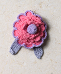Small Scallops Brooch In Pretty Pink 